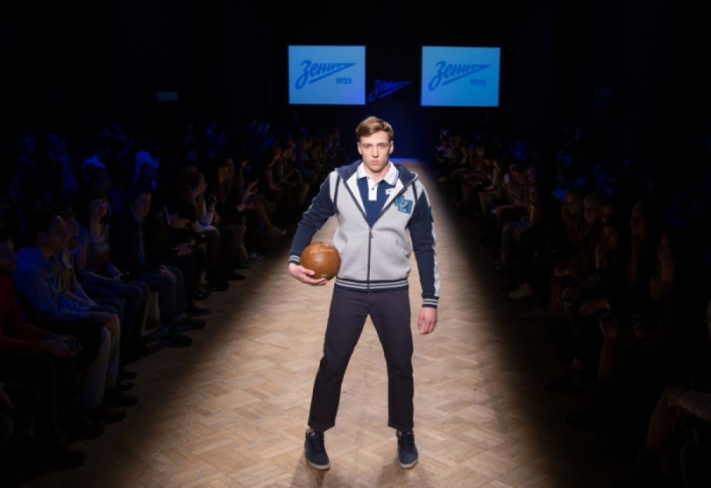 Дизайнер Артем Шумов: «Я делал одежду для театра, которая тоже связана с движением, удобством, но именно спортивные клубы — это первый опыт».