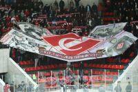 Болельщики «Спартака» поддерживают команду, несмотря ни на что.