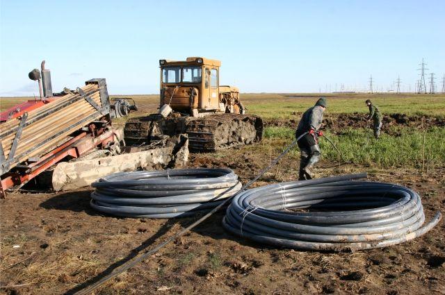 Во время прокладки в вечной мерзлоте пришлось использовать специальный кабель с допустимым растягивающим усилием до 80кН.