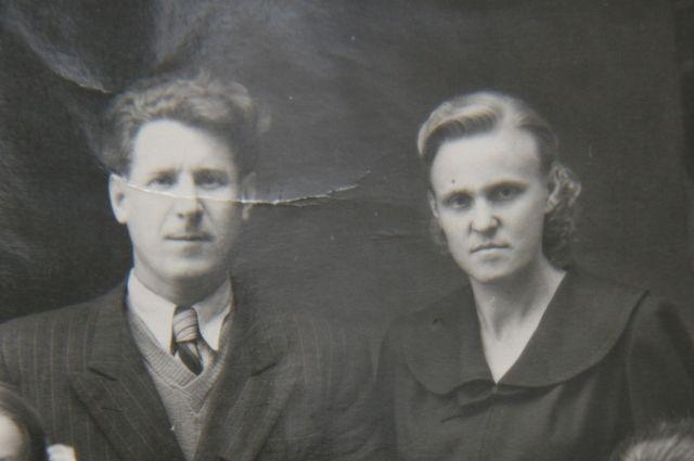 Фото с мужем. А более ранние фотокарточки Нина Михайловна сожгла.