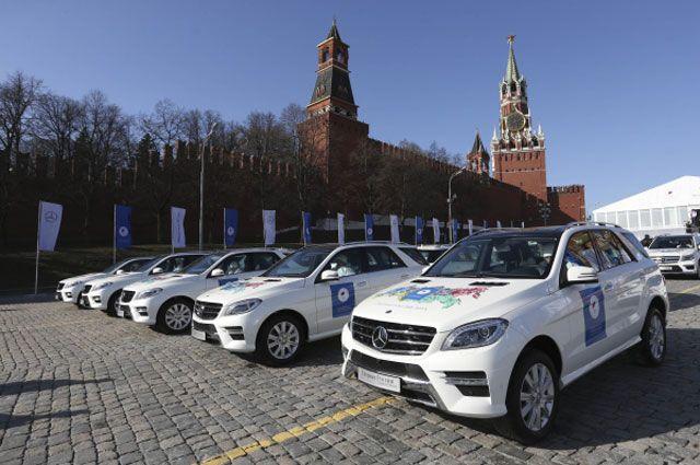 Помимо денег, олимпийские чемпионы Сочи получили и шикарные автомобили.