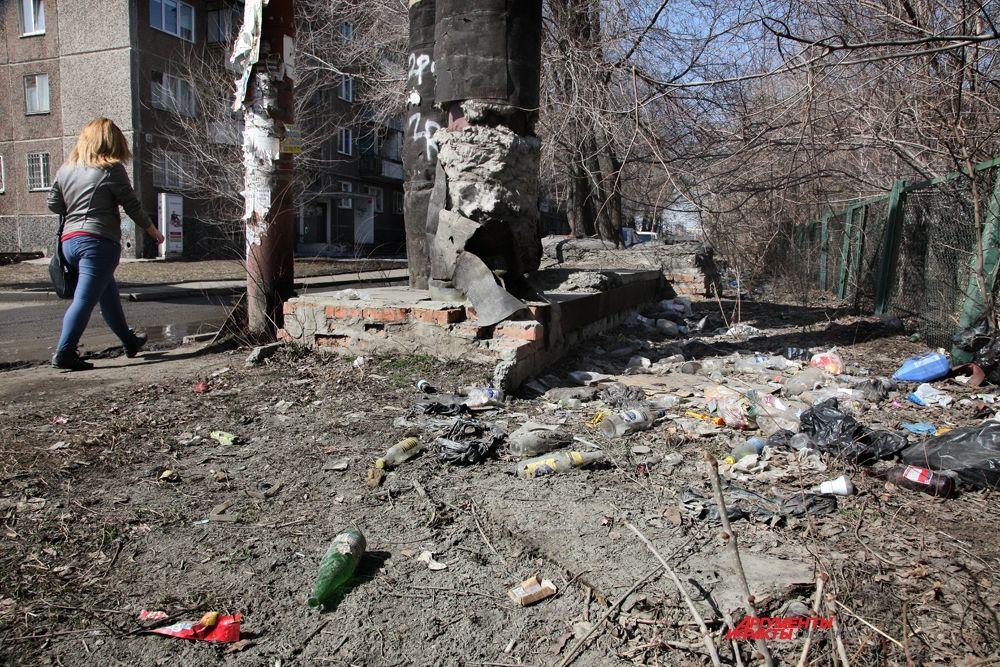 Из 3,5-миллионного населения Челябинской области 55% проживает на территориях, где экологическая обстановка кризисная или критическая. Это практически все крупные города. Улица 1-ая Отечественная