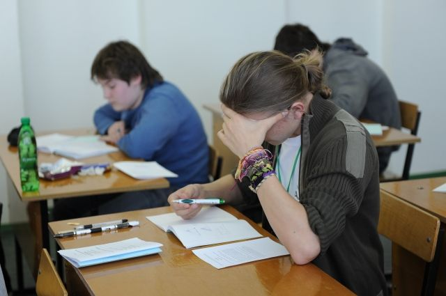 Сейчас выпускники Иркутской области активно готовятся к ЕГЭ.