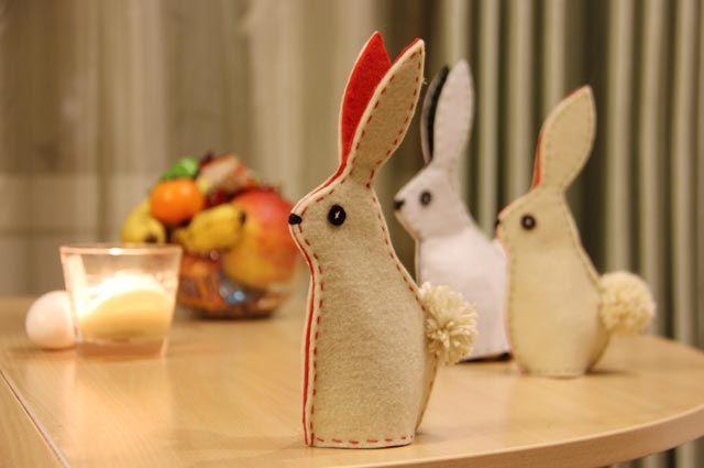 Для того чтобы создать такого зайца, особый опыт в швейных делах не нужен.