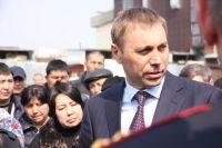 Мэр подчеркнул, что администрация вряд ли будет помогать несчастным арендаторам.