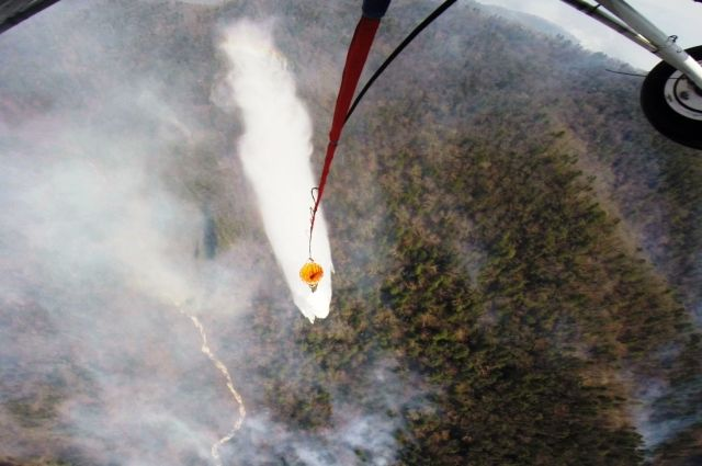 Тушение лесного пожара с вертолёта