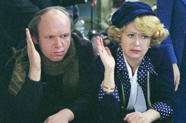 Затем Немоляева блеснула в «Гараже» и «О бедном гусаре замолвите слово» и в 1980-м получила звание народной артистки РСФСР.