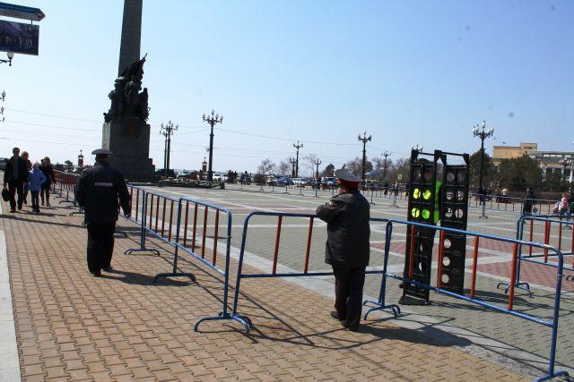 Площадка для митинга так и осталась пустой