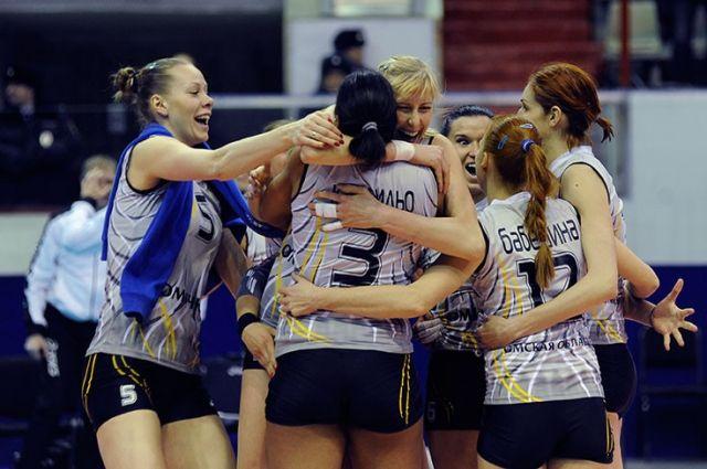 «Омичка» выиграла матч в встрече с соперницами.