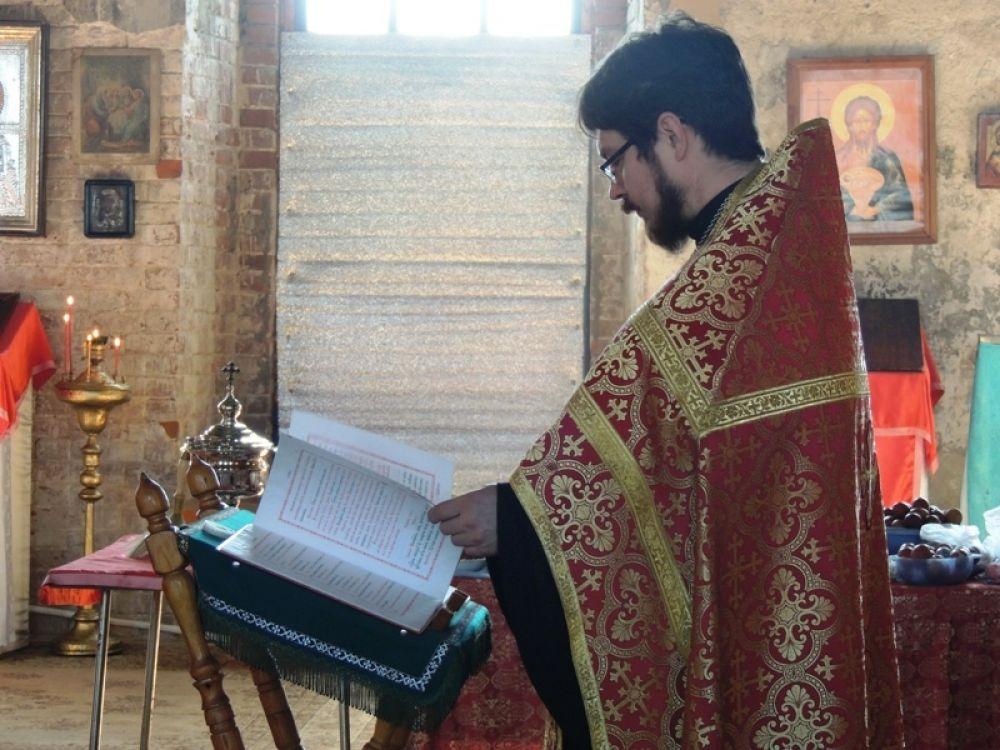 Отец Илья приехал в Крылово из Осы.