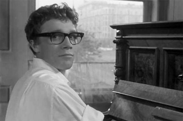 Одной из первых известных ролей Ленькова является образ руководителя молодёжного ансамбля в ленте «Дайте жалобную книгу» в середине 60-х.