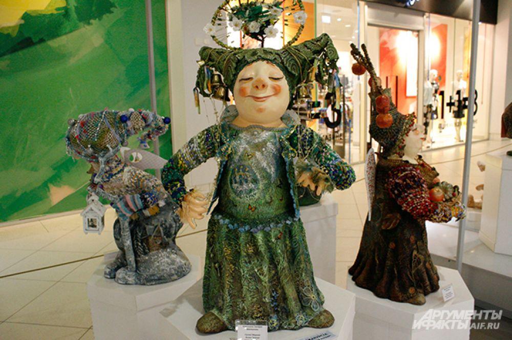 Марина Гусева из Калуги делает кукол-ангелов, которые олицетворяют славянские праздники – троица, яблочный спас, рождество и т. д.