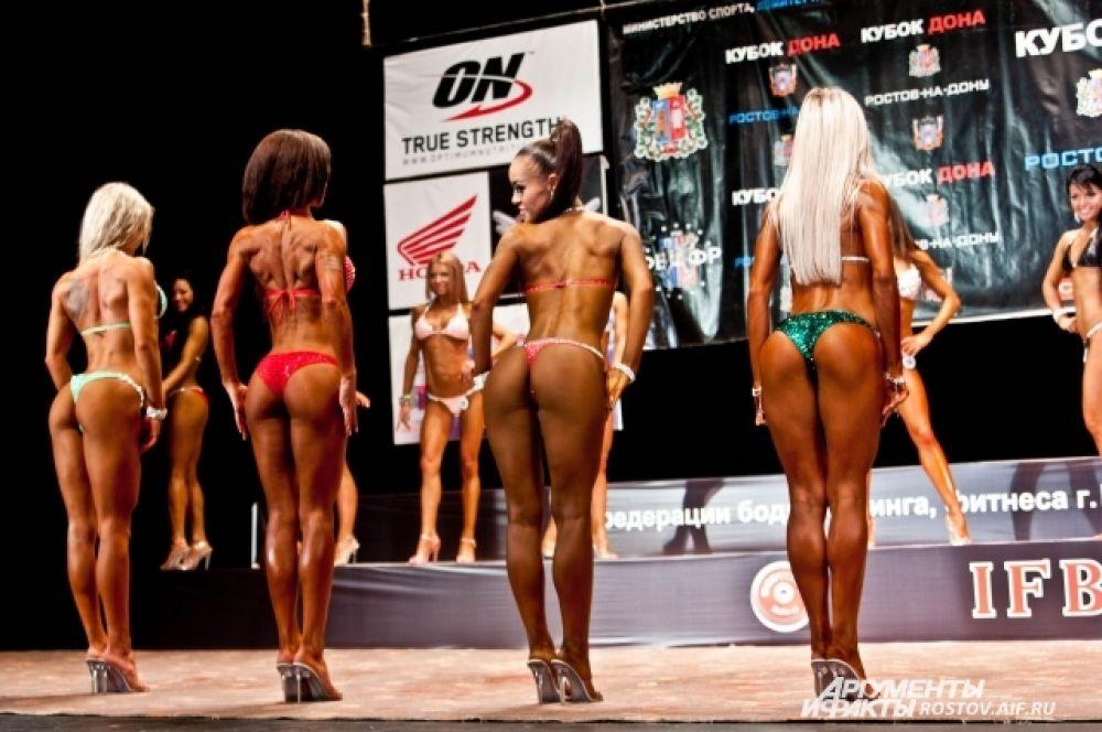 Любимицы зрителей – спортсменки из категории «Фитнес-бикини».