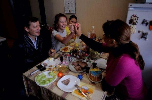Нардеп и кандидат в президенты Олег Ляшко также с семьей