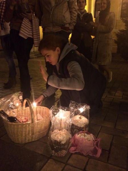 Леся Оробец за ночь обошла девять церквей в Киеве