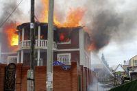 В загоревшемся здании проводили ремонт.