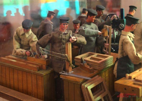 Вторую композицию заканчивал собирать сын мастера, потерявший на фронтах Великой Отечественной обе ноги