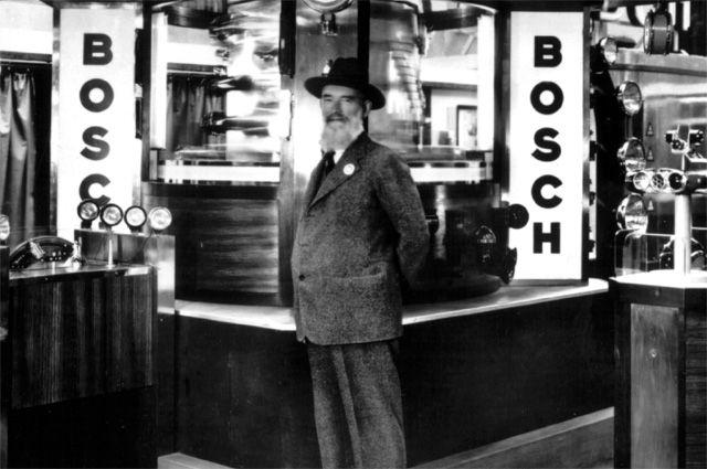 Роберт Бош на автомобильной выставке в Берлине 1931 года.