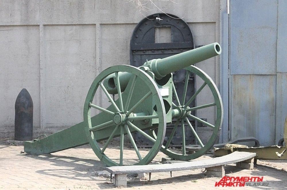 Одно из первых орудий Владивостокской крепости.