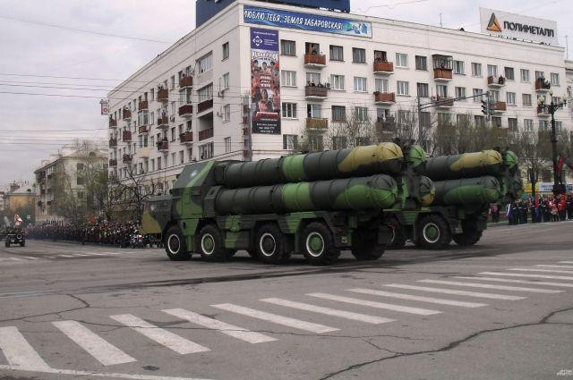 Один из прошлых парадов в Хабаровске