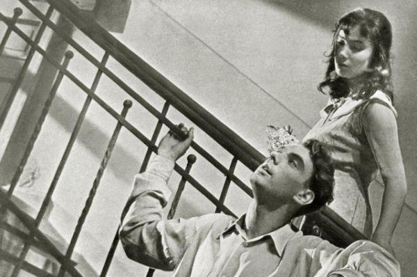 Единственным полнометражным российским фильмом, который выиграл главный приз фестиваля — «Золотую пальмовую ветвь» — остаётся картина «Летят журавли» (1957) режиссёра Михаила Калатозова, удостоенная награды в1958 году.