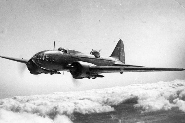 Наши бомбардировщики не давали немцам спать спокойно.