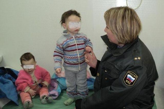 В Алапаевске из неблагополучной семьи забрали шестерых маленьких детей
