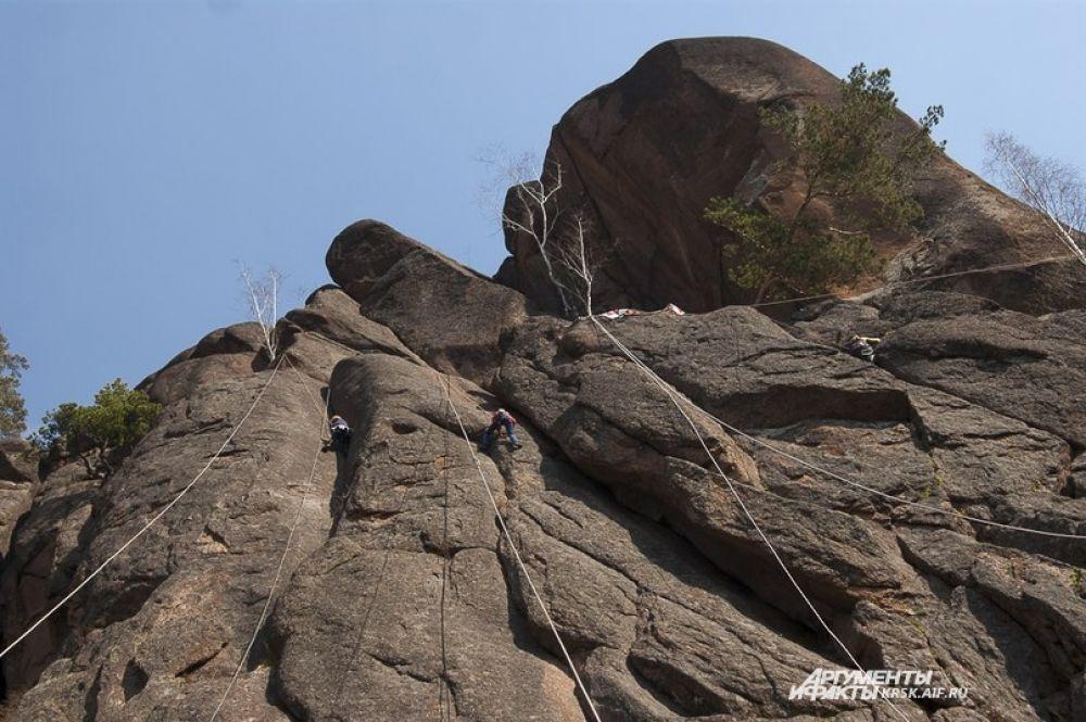 Совернования проходили на скале Такмак.