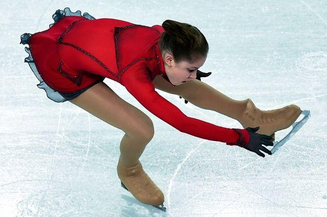 Фигуристка Юлия Липницкая прилетела в Екатеринбург