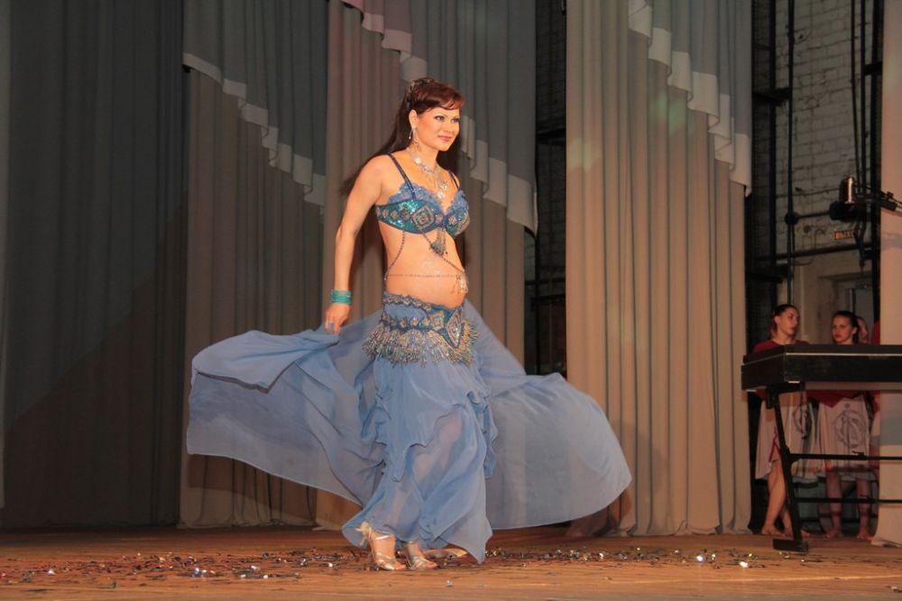 Будущие мамы участвовали в креативной фотосессии и работали с хореографом