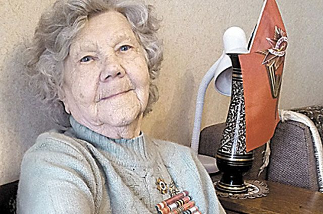 Лётчица Елена Малютина смогла справиться с тяжёлой «Пешкой».