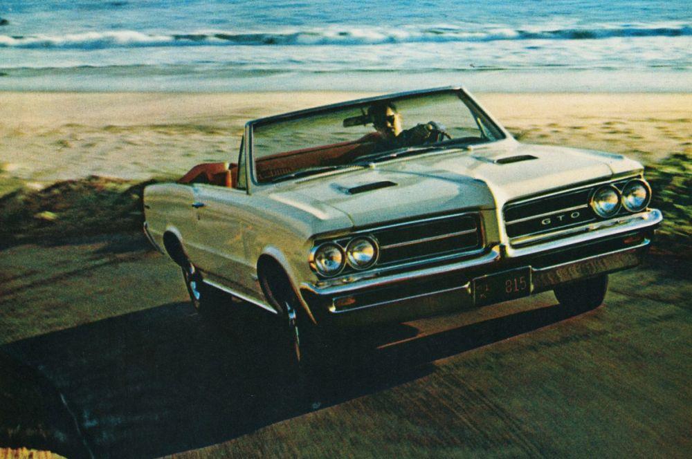 Одним из наиболее известных «Понтиаков» стал автомобиль GTO. Мощность двигателя составляла 348 лошадиных сил, что делало GTO самым мощным из всех серийных автомобилей США того времени.