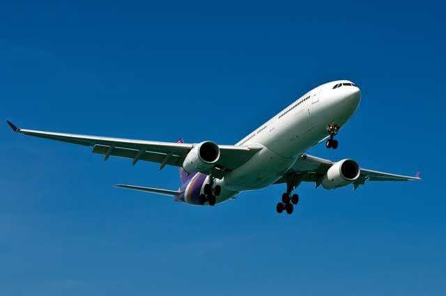 Из-за сложных метеоусловий Кольцово не принимает самолеты