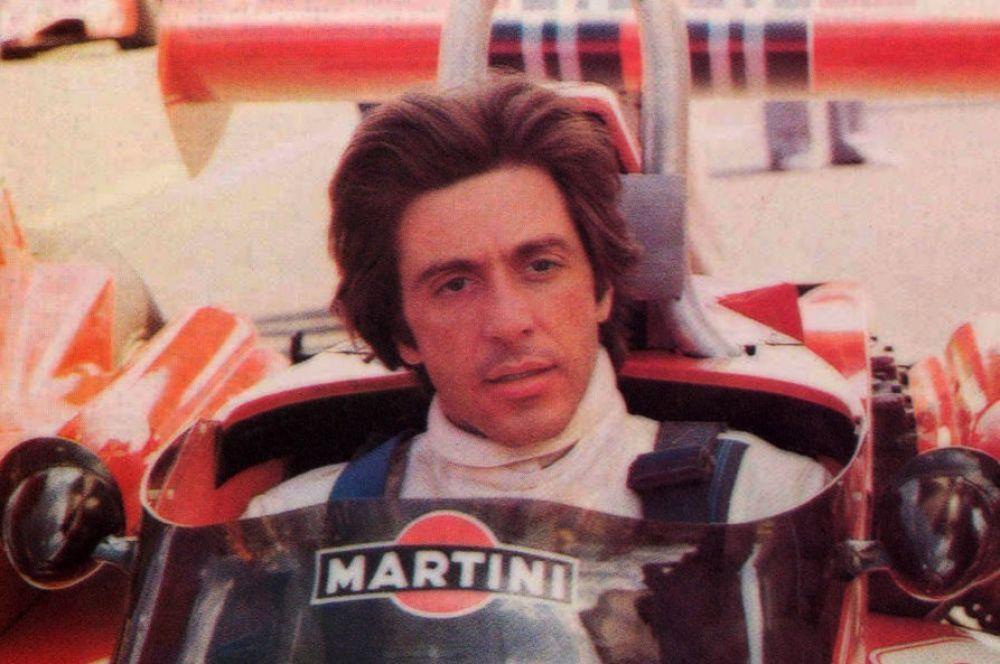 В 1977 году в экранизации романа «Жизнь взаймы» Ремарка Аль Пачино сыграл гонщика Формулы-1, чей напарник погиб в аварии. В съёмках использовались реальные машины. За полгода до премьеры в страшном столкновении с работником трассы погиб пилот Формулы-1 Том Прайс.