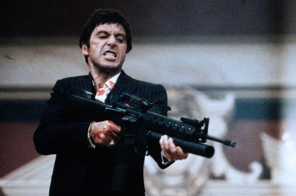 В фильме «Лицо со шрамом» самая крупная партия кокаина, проданная Тони Монтаной, принесла ему порядка 300 миллионов долларов. Состояние самого Аль Пачино сейчас оценивается в 275 миллионов, а включая недвижимость – свыше 320 миллионов.