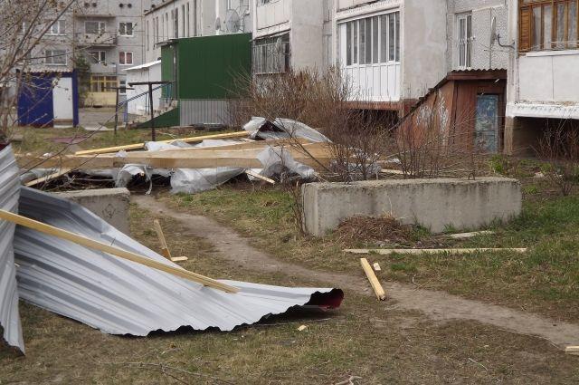 Последствия урагана в Омске.