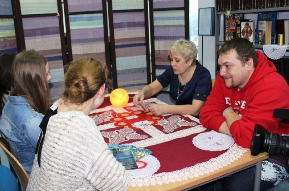 Для гостей библиотеки также были организованы настольные игры, чаепитие, квесты и развлекательные мероприятия.