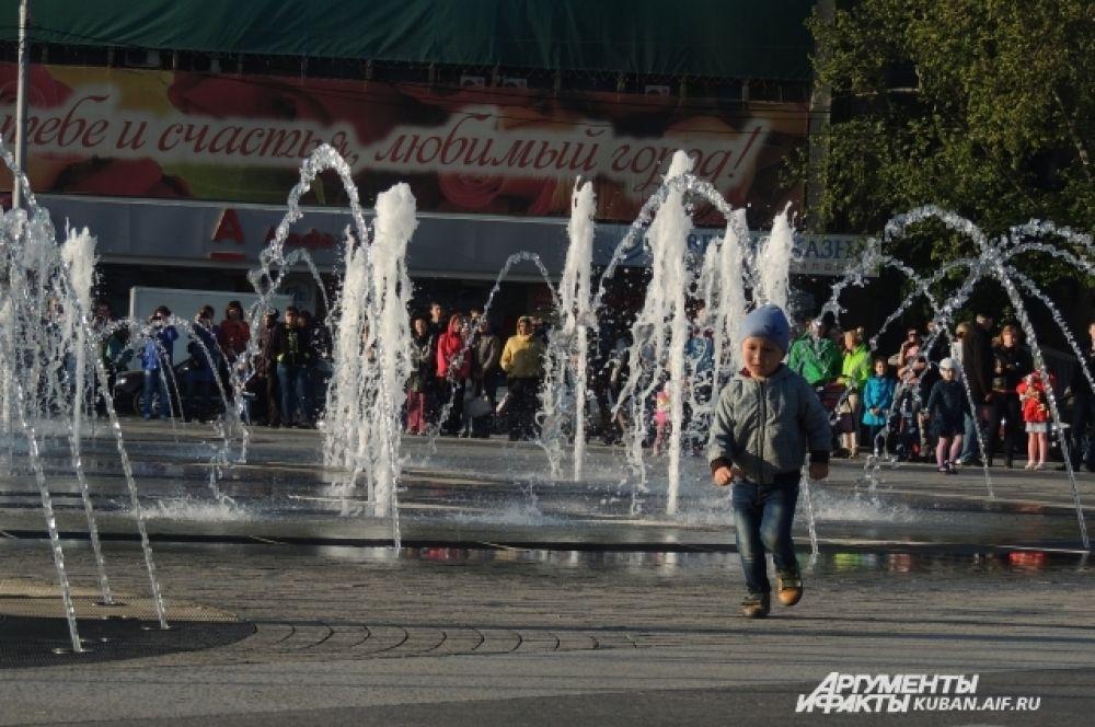 Одновременно заработали все фонтаны Краснодара.