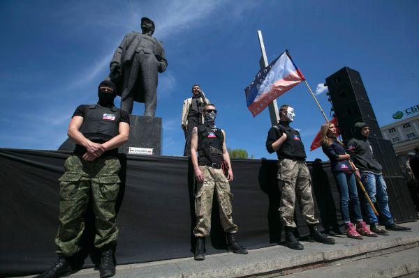 В Харькове состоялся традиционный воскресный митинг в поддержку федерализации Украины с участием нескольких политических объединений.
