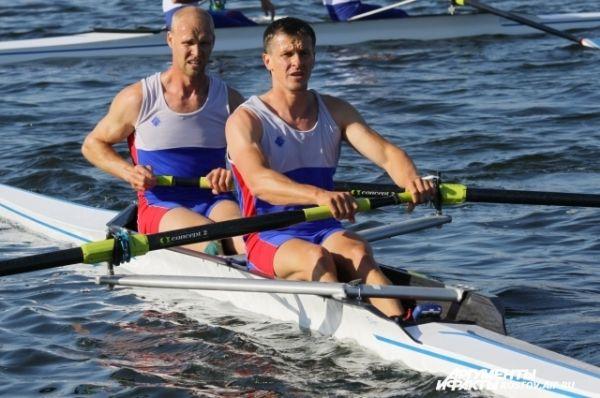 Победители среди мужчин в двойке распашной без рулевого – Кулеш Александр и Подшивалов Иван.