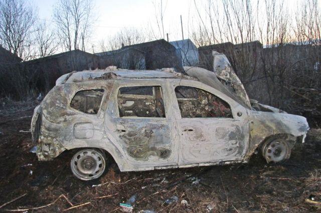 Сгоревший Renault Duster.
