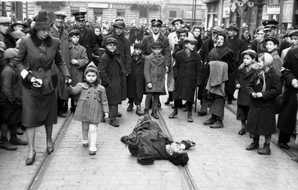 Распространение антисемитизма не ограничивалось одной только Германией. Антисемиты вели свою деятельность на территории всей Австро-Венгерской империи и частично во Франции.
