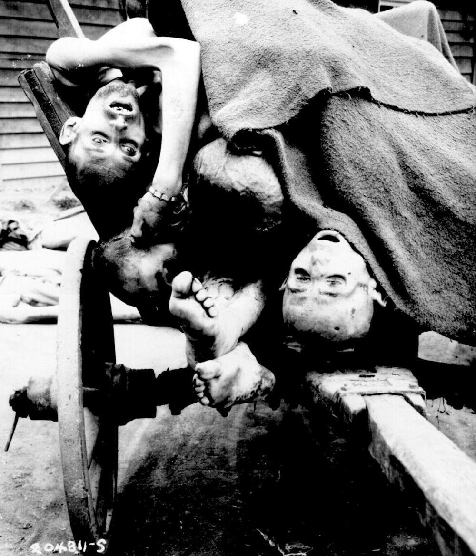 В течение Второй мировой войны фашисты претворили антисемитские идеи в жизнь в немыслимых до этого масштабах: более 6 миллионов евреев было уничтожено в концентрационных лагерях.