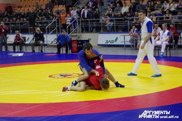 Уральские самбисты стали призерами турнира в Севастополе