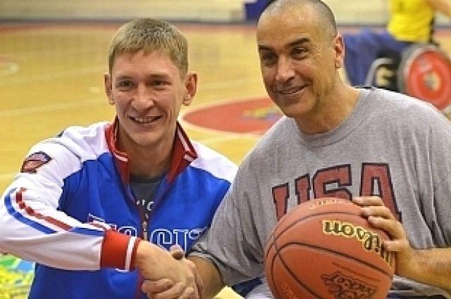 Сурдлимпиец Виталий Оботин и паралимпиец Лоуренс Джонсон.