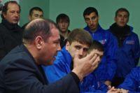Андрей Петров объясняет автомобилистам, почему в крае высокие цены на бензин