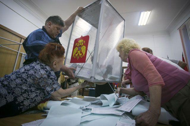 Добровольцы готовы подсчитать голоса на репетиции выборов.