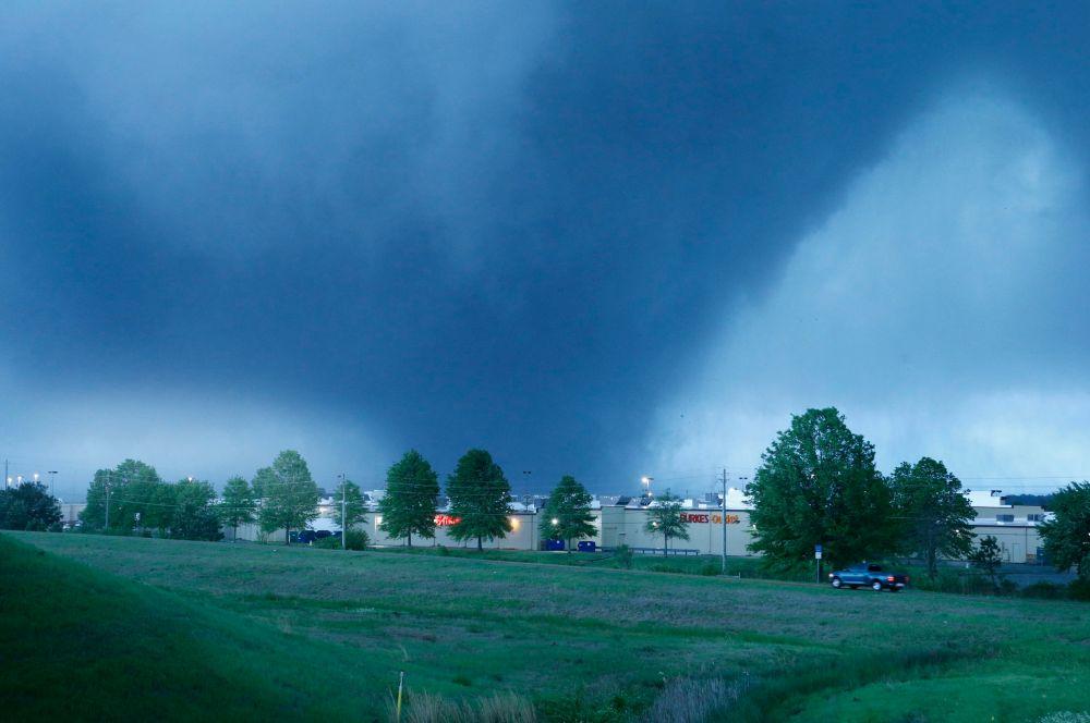 Затем стихия ударила по небольшому городу Куапо на северо-востоке Оклахомы.
