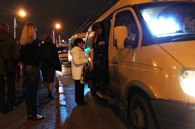 Омские маршрутки не всегда ездят по городу исправными.