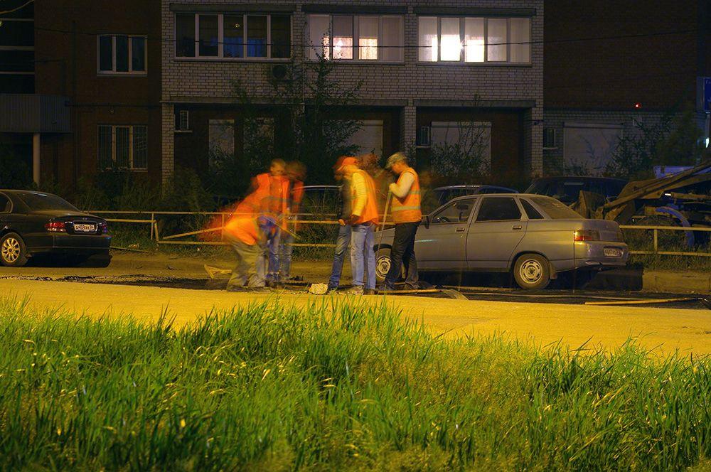 Каждые сутки на дорогах Волгограда трудятся 25 ремонтных бригад.